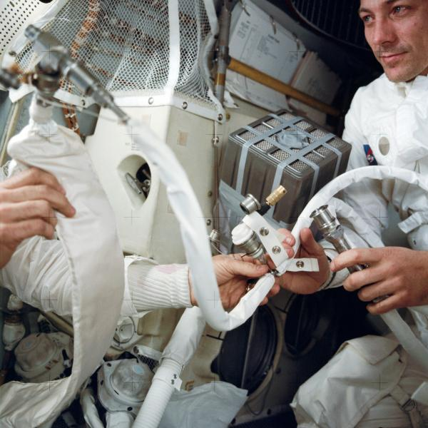 Apollo 13 Astronauts In Lunar Module Hack Air Filter